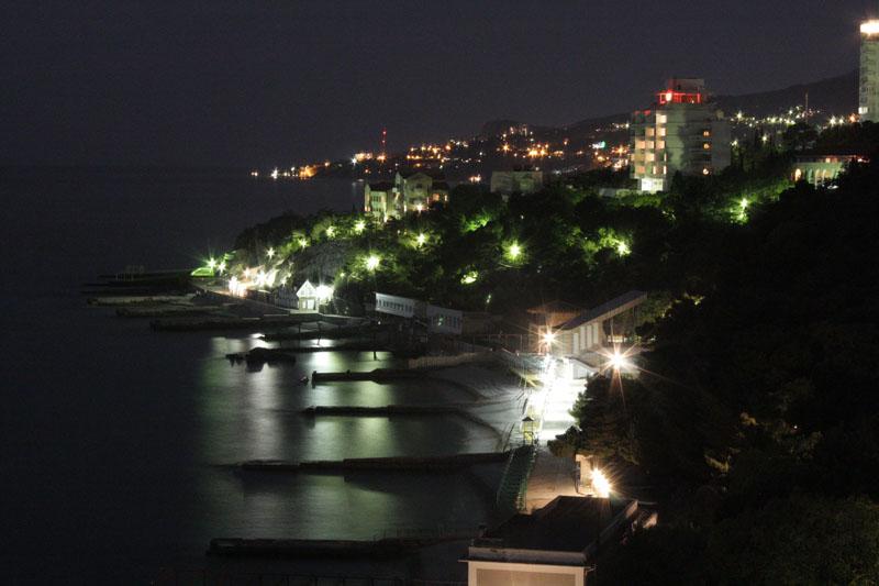 Вид на ночную Гаспру.Семеиз.Кореиз